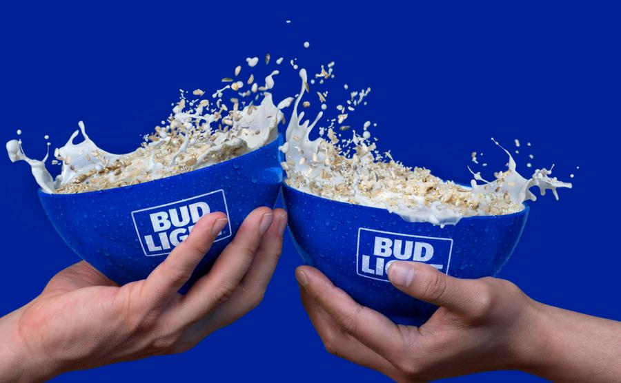 Los partidos son muy temprano como para tomar por eso la compañía Bud Light inventó algo nuevo: un cereal con sabor a cerveza.