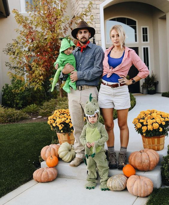 ideas para disfraces de halloween, ideas para disfraces de halloween grupales, disfraces grupales, avocado toast disfraz, disfraz de jurassic park, jurassic family costume.