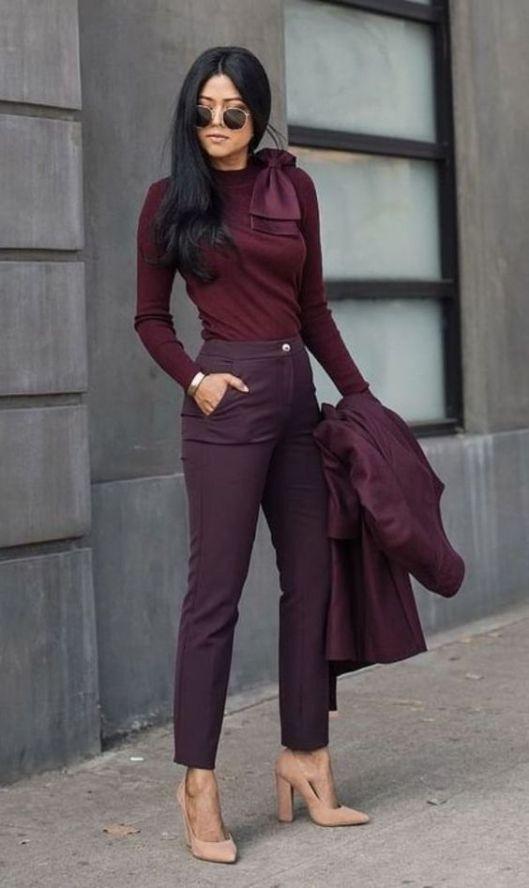 look para entrevista de trabajo , look monocomático, look color burdeos, look color vino, look elegante y casual.