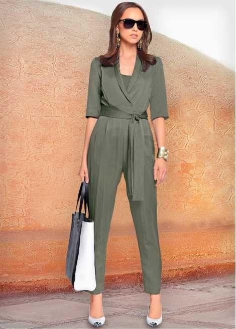 look para entrevista de trabajo, mono verde militar, mono elegante, look fácil y elegante.
