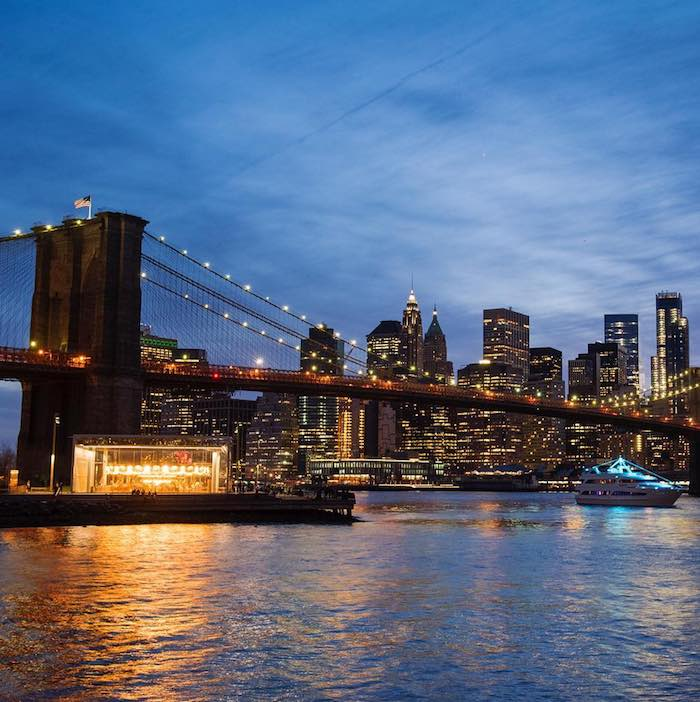 Brooklyn Bridge NYC. Puente de brooklyn en Nueva York. Vistas de NY