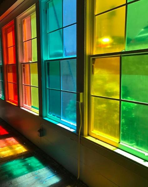 Ventanales de colores para decorar la casa.