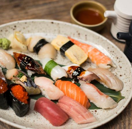 Nigiris en la cdmx, nigiri, platillos japoneses en la Ciudad de México, platillos japoneses diferentes, platillos japoneses originales, platillos japonenses deliciosos.