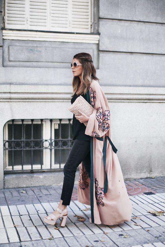 look de otoño, look entretiempo, look casual, look para el frío, ootd, fall looks, ropa de otoño, outfit otoño, ropa otoño, casual look, kimono, look con kimono, look con capa, capa, capa otoño, tacón ancho, look black jeans.