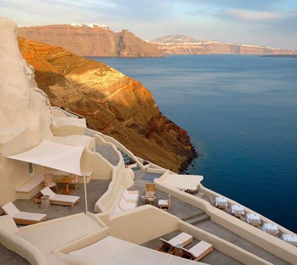 Santorini, hoteles en Santorini, Santorini best hotels, los mejores hoteles del mundo, hoteles en el mundo, los hoteles más bonitos, travel, traveling, traveling tips, tips de viaje, best hotels in the world, holidays.