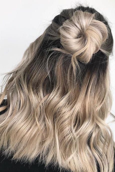 Mushroom brown hair, ideas para pintarte el pelo, tinte de pelo, tintes de pelo que están de moda, Mushroom blonde, hair, hair ideas, hair dye, hair trends, beuty trends, tendencias de belleza, champiñon, pelo color champiñon, ideas de pelo, ideas para pintarte el pelo, cómo pintarte el pelo, pelo, cabello, ideas de cabello.