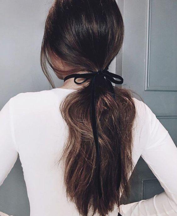 Listón en el pelo, ribbon trend, lazos en el pelo, hairstyle trend, beuty trend, tendencias de belleza, ideas para usar listones en el pelo, ideas para usar listón en el pelo, peinados, ideas de peinados, ideas de peinados casuales.